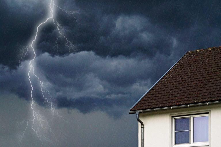 Blitzeinschlag! Was zahlt die Hausratversicherung?
